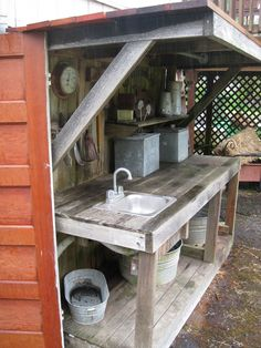 Want to know how to build a potting bench? Our potting bench plan will give you a functional, beautiful garden potting bench in no time! Outdoor Potting Bench, Potting Bench Plans, Potting Tables, Potting Sheds, Potting Bench With Sink, Rustic Potting Benches, Garden Sink, Garden Pots, Garden Sheds