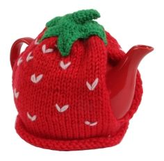 Look familiar Tess? So cute Tea Cosies, Cozies, Toaster Cover, Strawberry Tea, Tea Cozy, Best Tea, Cosy, Knitting Patterns, Baby Shoes