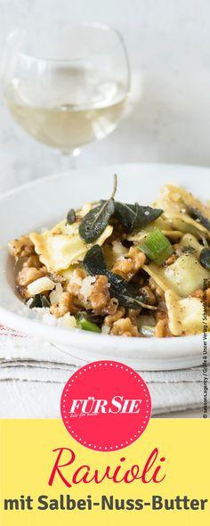 Eine leichte Salbei-Nuss-Butter Soße passt perfekt zu vegetarischen Ravioli…
