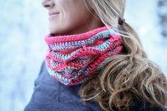 Crochet Cowl Pattern Tamara Cowl von Mamachee auf Etsy  ---  tolle  Idee aus Alaska