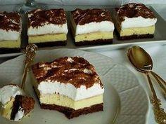 Famózne krémové kocky so šľahačkou Cesto: 6 bielka 6 PL kr. Czech Desserts, Romanian Desserts, Sweet Recipes, Cake Recipes, Dessert Recipes, Kolaci I Torte, Czech Recipes, Hungarian Recipes, Cake Bars