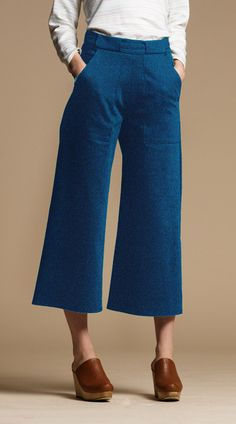 Get your hands on the most flattering culottes you'll find this Fall. We cut these cropped wide leg jeans to flatter your waist and butt and give you that chic 70's feel. Made from washed denim and fe