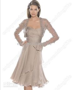 Sexy Sweetheart Chiffon Ruffles Mother Of The Bride Dress Knee Length Formal Cocktail Gown PR008