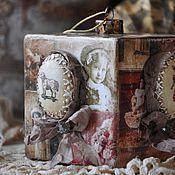Купить или заказать Елочные игрушки ,,Старинные,, в интернет-магазине на Ярмарке Мастеров. резерв для Евгении! Елочные игрушки выполнены в технике художественный декупаж, состарены, украшены обьемными элементами, а также лентами, бусинами, а также прехорошеньким винтажным шармиком. Мотивы на всех шарах разные. Цвет винтажно молочный. Очень красивые и старые, как будтo из бабушкиного наследства. Цена указана за 1 шт, в наличии 6 шт, продаются комплектом.