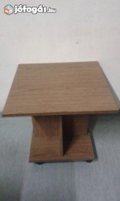 Eladó Gurulós kisasztal: Kerekeken guruló több funkciós asztalka.  Méretei: - 59*59 cm, 54 cm magas