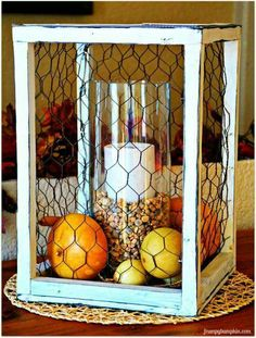 Best DIY Ideas With Chicken Wire - Chicken Wire Centerpiece - Rustic Farmhouse Decor Tutorials With Chickenwire and Easy Vintage Shabby Chic Home Decor for Kitchen, Living Room and Bathroom - Creative Country Crafts, Furniture, Patio Decor and Rustic Wall Shabby Chic Homes, Shabby Chic Decor, Rustic Decor, Rustic Patio, Rustic Room, Kitchen Rustic, Country Farmhouse Decor, Country Crafts, Farmhouse Design
