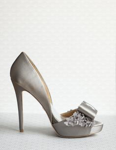 Badgley Mischka shoes...I have these in black!!