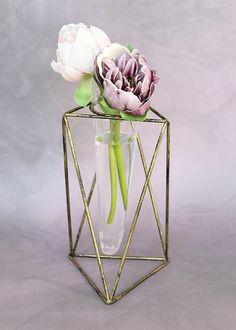 Metal Vector Flower Vase Stand | Geometric Decorations