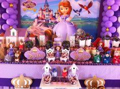 Decoração de festa infantil princesa Sofia Sophia The First Birthday Party Ideas, Sofia The First Cake, First Birthday Parties, First Birthdays, Princess Sofia Birthday, Baby Shower Princess, Baby Birthday, Disney World Pictures, Event Organiser