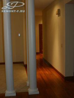 Интерьер коридора в стиле кантри. Фото