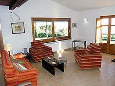 Ferienhaus: Casale Valentino - Von Essküche, Wohnzimmer und Schlafzimmer haben Sie Zugang zur weitläufigen Terrasse. www.cilento-ferien.de