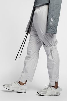 An Exclusive Closer Look at the A-COLD-WALL* x Nike Collaboration: Avant-garde sportswear. Streetwear, Chef Shirts, Track Pants Mens, Boy Fashion, Mens Fashion, A Cold Wall, Mens Activewear, Future Fashion, Sport Casual