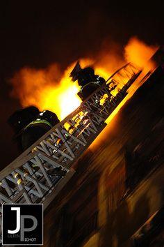 Brigade de Sapeurs Pompiers de Paris - Photo © Julien PICHOT