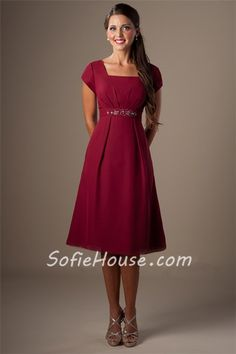 Modest A Line Square Neck Cap Sleeves Burgundy Chiffon Short Bridesmaid Dress