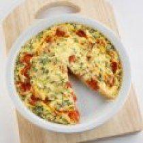 La frittata es el omelet italiano.  Esta receta es muy fácil de hacer y una delicia.  Ideal para un brunch o desayuno de domingo.