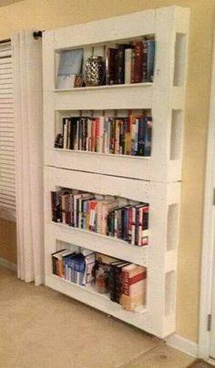 Bibliothèque en palettes