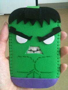 Funda Móvil Hulk con goma eva/Hulk mobile case with foam rubber