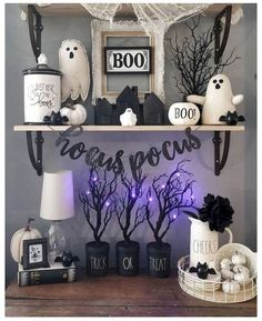 Cheap DIY Dollar Store Halloween Decoration ideas to spook your guests - Hike n Dip - - This Halloween spooke your guests with a scary and spooky Halloween decoration for your home. Try these Cheap DIY Dollar Store Halloween Decoration ideas. Fröhliches Halloween, Adornos Halloween, Spooky Halloween Decorations, Diy Halloween Decorations, Holidays Halloween, Halloween Makeup, Women Halloween, Halloween Projects, Pretty Halloween