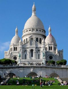 Sacre-Coeur-probably my favorite sunday activity after church while abroad...gelato, wine festivals, souvenirs around, the beautiful interior & the outdoor view of the city.