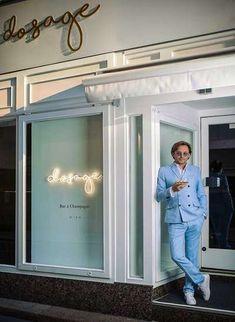 Gastgeber und Eigentümer Friso Schopper vor seiner »Dosage«. Moet Chandon, Pinot Noir, Sparkling Wine