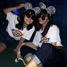 Bff Pictures, Best Friend Pictures, Friend Photos, Bff Poses, Sister Poses, Korean Best Friends, Korean Fashion Casual, Ulzzang Korean Girl, Japan Girl