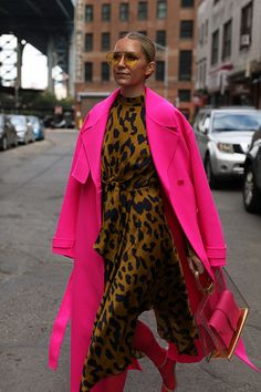 Blair Eadie wearing a pink coat by Jacquemus and a printed leopard dress by Moon River // More fall looks on Atlantic-Pacific - Leopard Dresses - Ideas of Leopard Dresses Mode Chic, Mode Style, Style Me, Look Fashion, Fashion Outfits, Womens Fashion, Fashion Trends, Fall Fashion, Fashion Coat