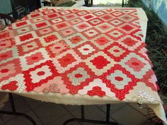 beautiful red hexagons that fills me with inspiration for the hexipuff quilt