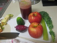 1/4 Cucumber  1/2 Beet  2 Apples  1 Stalk celery  1 Leaf kale    Another favorite