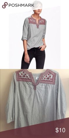 Add. $10 OFF!Old Navy Heather Gray Embroidered Top Great Condition! Only worn once Old Navy Tops