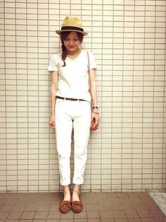 #ホワイトコーデ     #中折れハット     #モカシン     #白Tシャツ     #シンプル