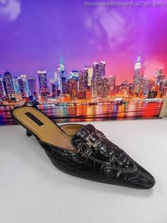 Unisa Pannda black leather Well Worn Croc Career Mules Womens Shoes sz 9.5 AA #Unisa #Mules