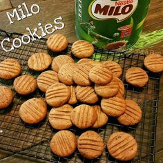 This is yet another Milo recipe with my Milo obsessed taste buds! At first there was the Milo Mousse , then there was 20 Second Milo Brown. Lunch Box Recipes, Baby Food Recipes, Sweet Recipes, Baking Recipes, Cookie Recipes, Cookie Ideas, Yummy Recipes, Milo Recipe, Milo Cake