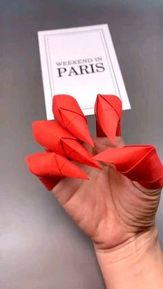 "Origami is not only an art, it is also a method of exercise. ""Origami is good for anyone, whether it is children, young people or the elderl. Origami Claws, Instruções Origami, Origami And Kirigami, Origami Rose, Origami Videos, Oragami, Dollar Origami, Origami Dragon, Origami Bookmark"