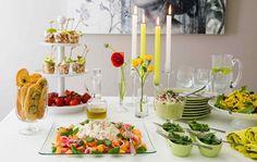 Tapaksia, salaattia, souvlakia, avokadotsatsikia ja juustokakkua kevään juhliin!