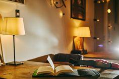 #feltbookcover #feltprotector #bookcase #feltbookcase #etuinaksiazki Do kupienia za 45 zł plus przesyłka - piszcie do mnie lub odwiedźcie sklep internetowy.   If you want to buy my felt book cover write me! price is about 11 Euro (plus shipping costs).  Foto: Klaudyna Schubert. Miejsce: Absurdalia Cafe