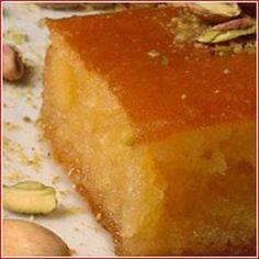 Υλικά  300 γρ. αλεύρι  270 γρ. σιμιγδάλι χονδρό  2 κ. γ. μπέικιν  250 γρ. βούτυρο πρόβειο λιωμένο(Αυτό στο βαζάκι)  300 γρ. ζάχαρη  6 αυ... Greek Sweets, Greek Desserts, Fun Desserts, Turkish Recipes, Greek Recipes, Pureed Food Recipes, Cooking Recipes, Tsoureki Recipe, Greek Cake