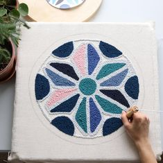 Use stained glass patterns for graphic punch needle Embroidery Art, Embroidery Patterns, Print Patterns, Punch Needle Patterns, Penny Rugs, Loom Weaving, Punch Art, Rug Hooking, Loom Knitting