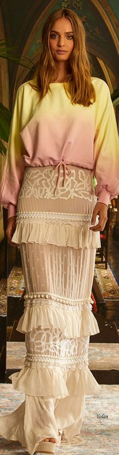 Nicole Miller, Fashion Labels, Beautiful Outfits, Lace Skirt, Womens Fashion, Fashion Trends, Runway, Spring, Skirts