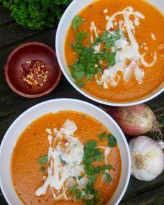 Mais-Tomaten-Suppe mit Chili & Kokos!