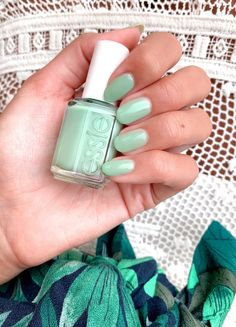 essie 'turquoise and caicos', a vibrant, tropical green nail polish. Aqua Nail Polish, Aqua Nails, Green Nails, Nail Desighns, Gel Nail Kit, Nail Inspo, Snail, Beauty Nails, Nail Care
