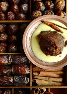 The best spiced Cape Brandy Pudding aka Tipsy Tart - A traditional South African baked pudding with sticky dates, pecans and cinnamon-vanilla brandy sauce. Tart Recipes, Pudding Recipes, Baking Recipes, Dessert Recipes, Oven Recipes, Dessert Ideas, Recipies, Brandy Recipe, Brandy Sauce
