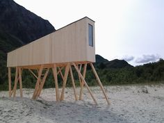 Shelter in Sandhornoy, Norway. Created by students for the SALT-festival