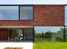 Privéwoning in Kerniel - Brick Architecture, Contemporary Architecture, Interior Architecture, Brick Design, Exterior Design, Interior And Exterior, Villa, Brick Facade, Box Houses