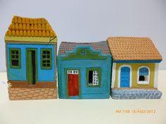 Miniaturas em cerâmica de casas Açorianas. Amauri Ferreira