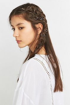 Pin for Later: 65 Accessoires Pour Cheveux Qui Ne Sont Pas des Couronnes de Fleurs  Regal Rose - Anneaux pour cheveux longs Aeon (17€)
