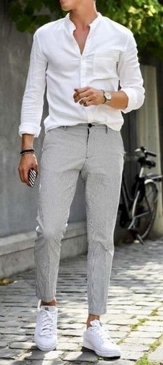 It's time for your fashion to emerge. Just because it's going to be warm and sweaty, doesn't mean you should look sloppy. Source by theunstitchd Outfits going out Grey Chinos Men, Chinos Men Outfit, Grey Pants Outfit, Men Shorts, Khaki Pants, Cheap Summer Outfits, Mens Smart Summer Outfits, Outfit Summer, Outfit Elegantes