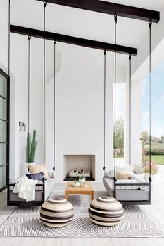 Here is some of my favorite inspiration for outdoor spaces with a modern farmhouse flair. Modern Farmhouse Back Porch - Black Hanging Swings - Modern Outdoor Fireplace - Black and White Back Porch - Home Decor - Home Design - DESIGN: Studio Life/Style Patio Interior, California Homes, California Room, California Style, Style At Home, Home Fashion, Design Case, My Dream Home, Dream Homes