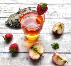 Omena-mansikkamehua