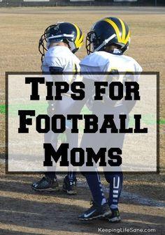 football mom Tips for Football Moms - Keeping Life Sane Youth Football Gear, Football Info, Team Mom Football, Football Pads, Football Players, Football Season, Football Workouts, Rangers Football, Football Stuff