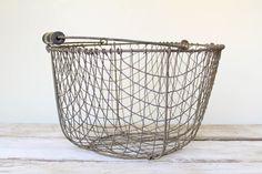 Vintage Wavy Wire Egg Basket